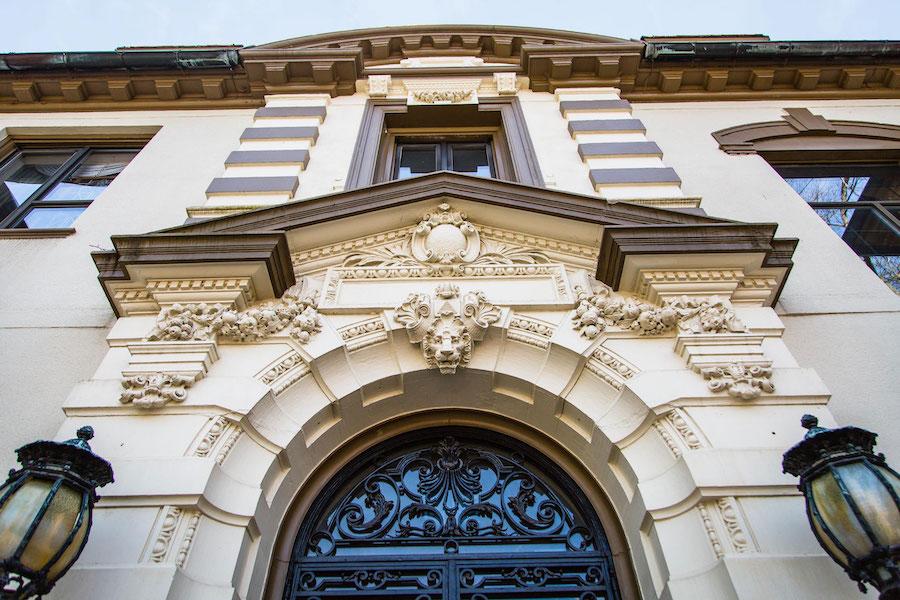 Mansion_Entrance-2