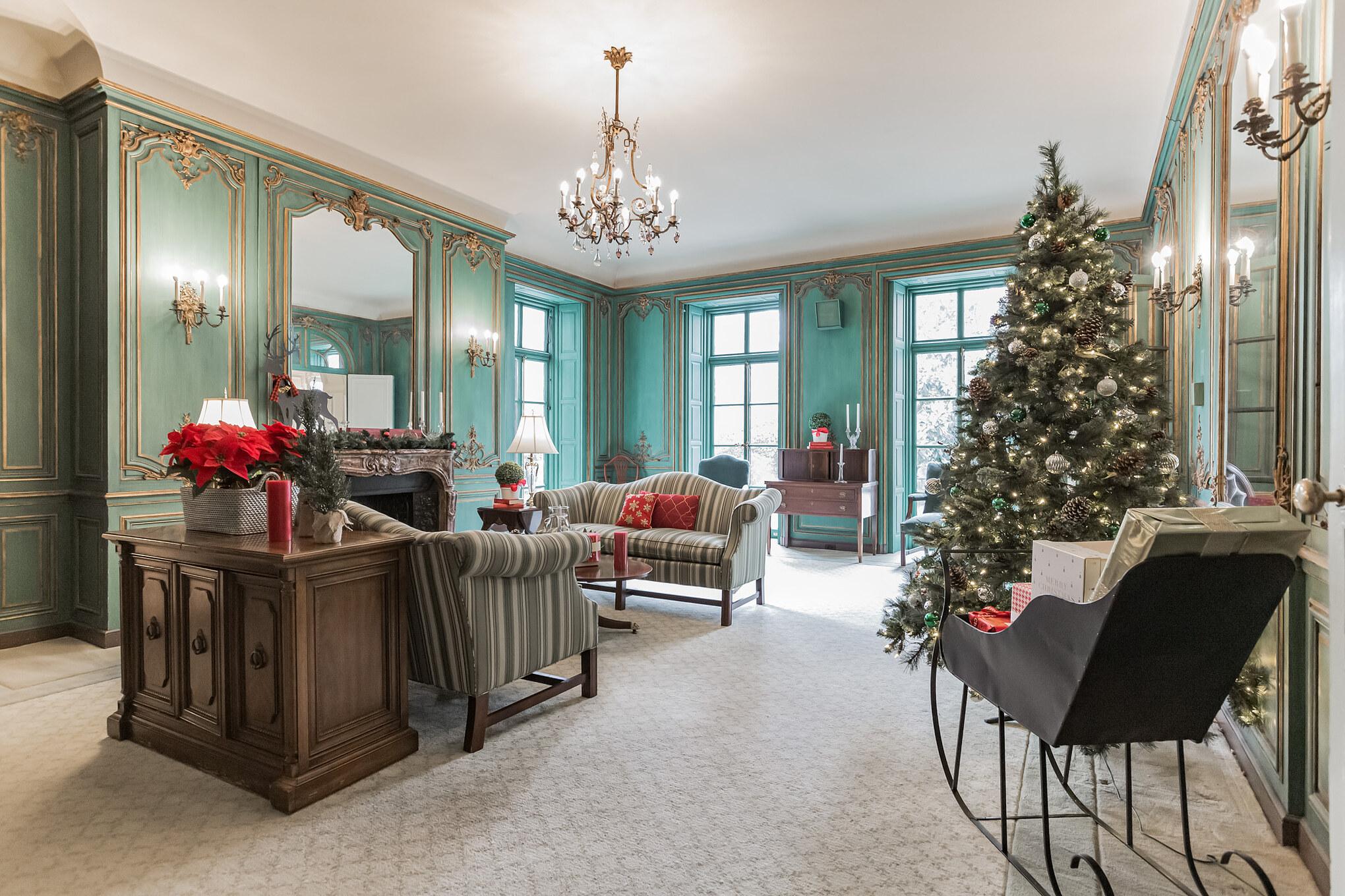 Holiday green room at The Mansion at Rosemont