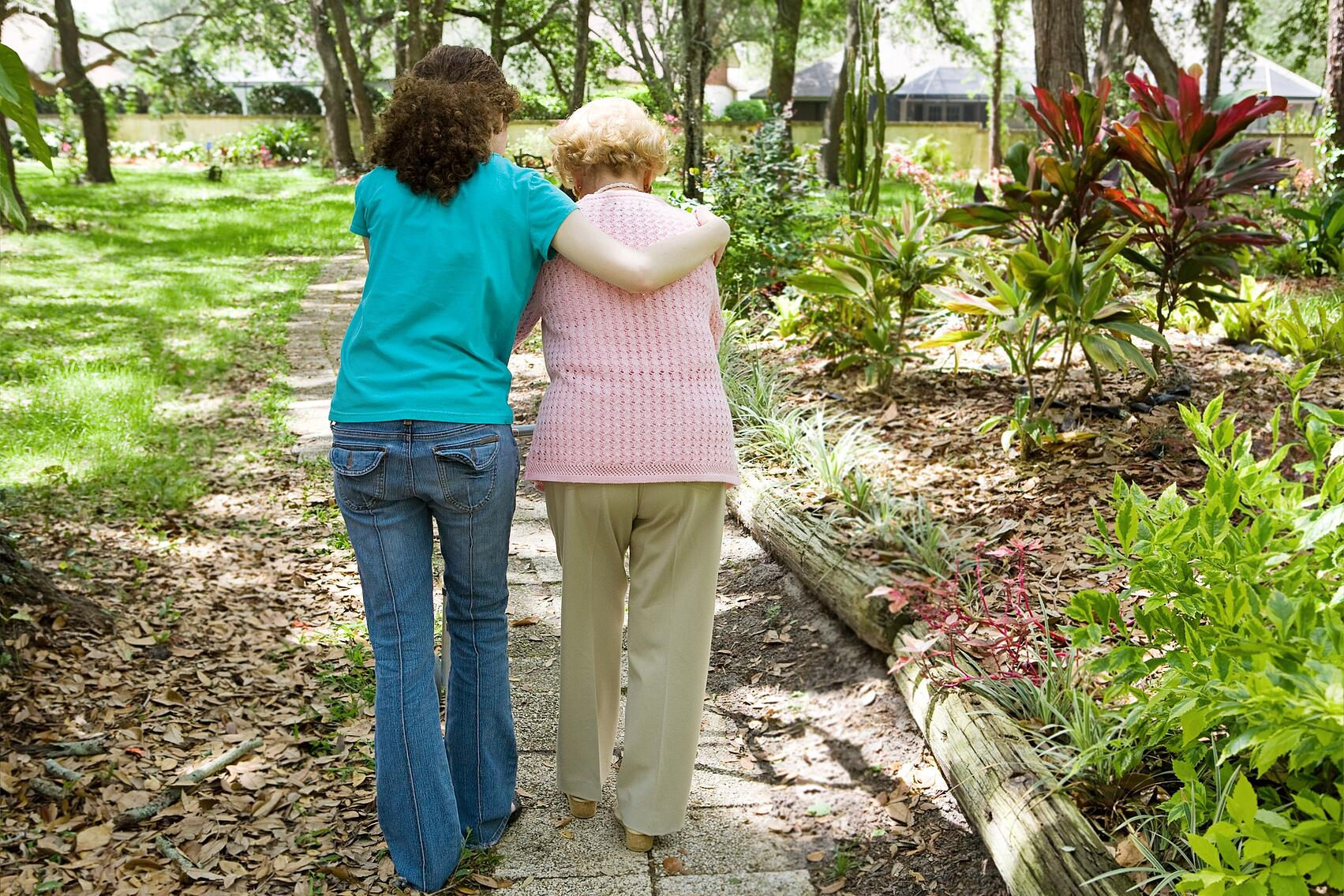 Help for sandwich generation sibling family caregivers
