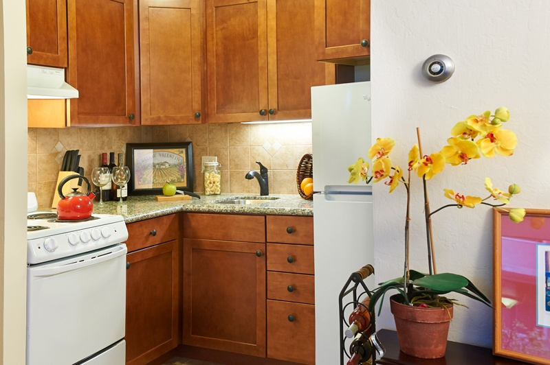 kitchen in residence at grand lake gardens