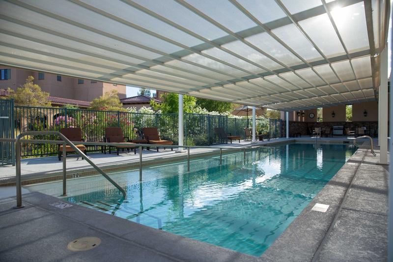 Las Ventanas community pool