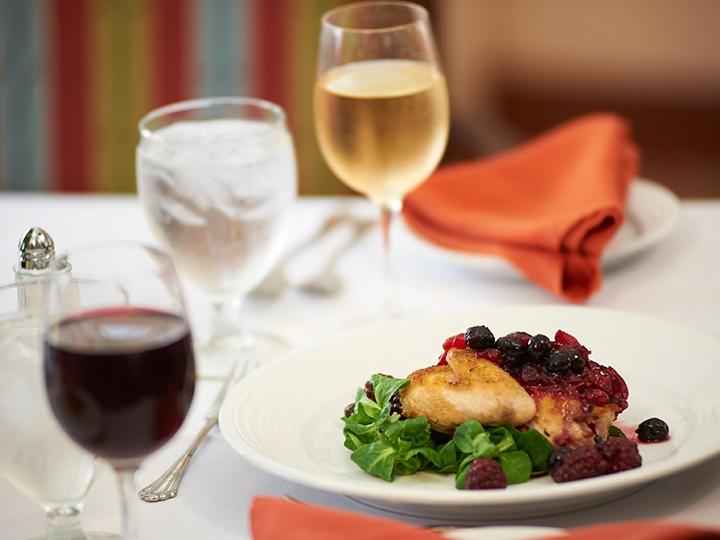 hg_ccrc_LG_lifestyle_dining_chefpreparedmeal.jpg
